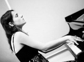 Anna Kubicz Pianist photo
