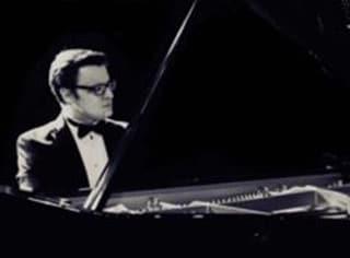 Edwin Szwajkowski Pianist photo